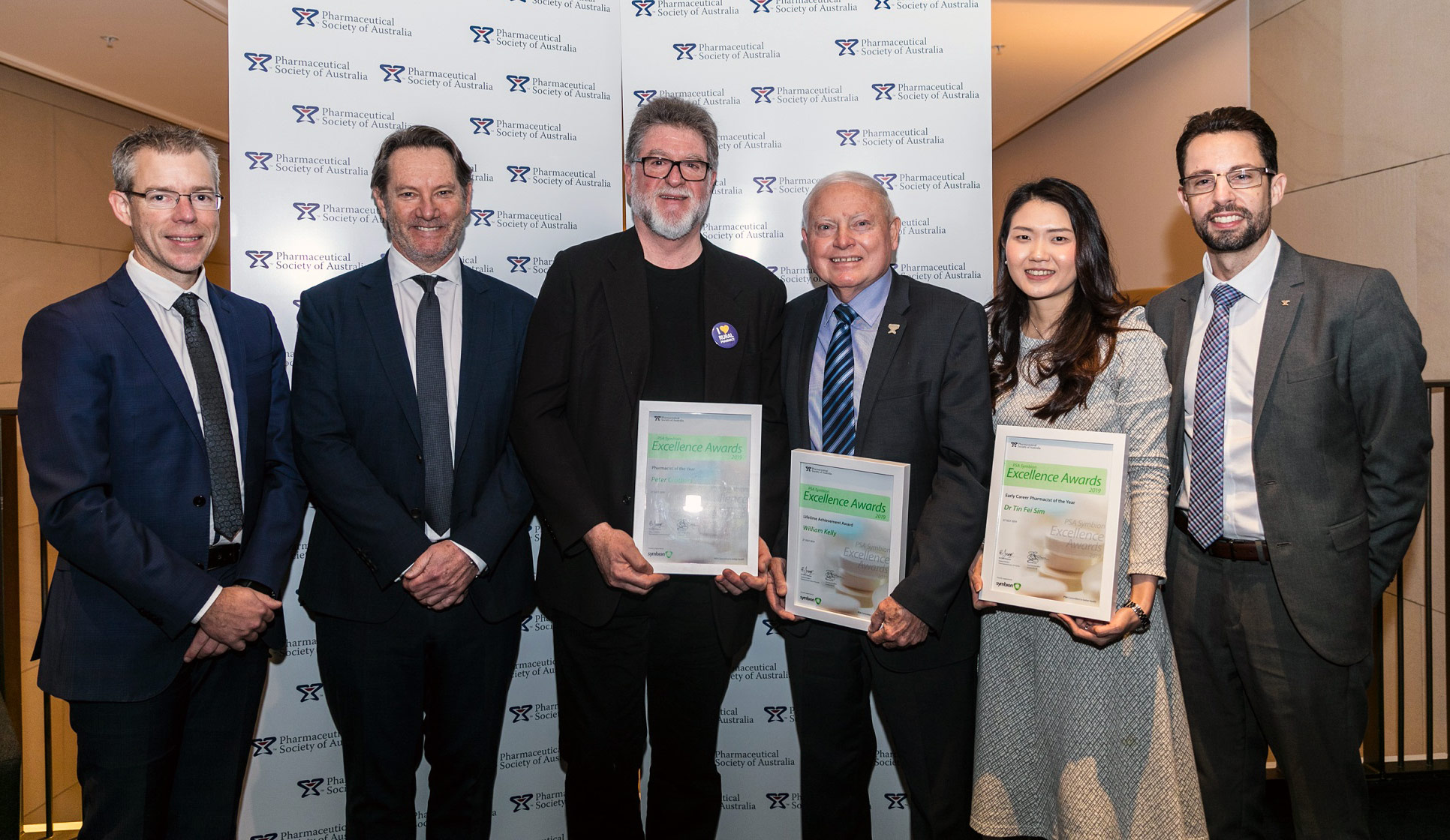 L-R) PSA CEO Dr Shane Jackson, Symbion General Manager Strategic Groups Mr David Beaton; Pharmacist of the Year Mr Peter Crothers; Lifetime Achievement Award winner Col. (Rtd) Bill Kelly; Early Career Pharmacist of the Year Dr Fei Sim; and PSA National President Dr Chris Freeman