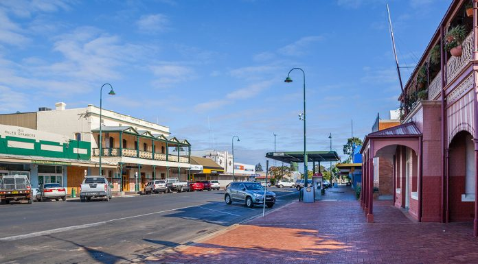 COVID-19 cases continue to grow in remote towns such as Bourke