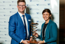 Bridget Totterman MPS (right) receives her award from PSA Queensland Branch President Shane MacDonald