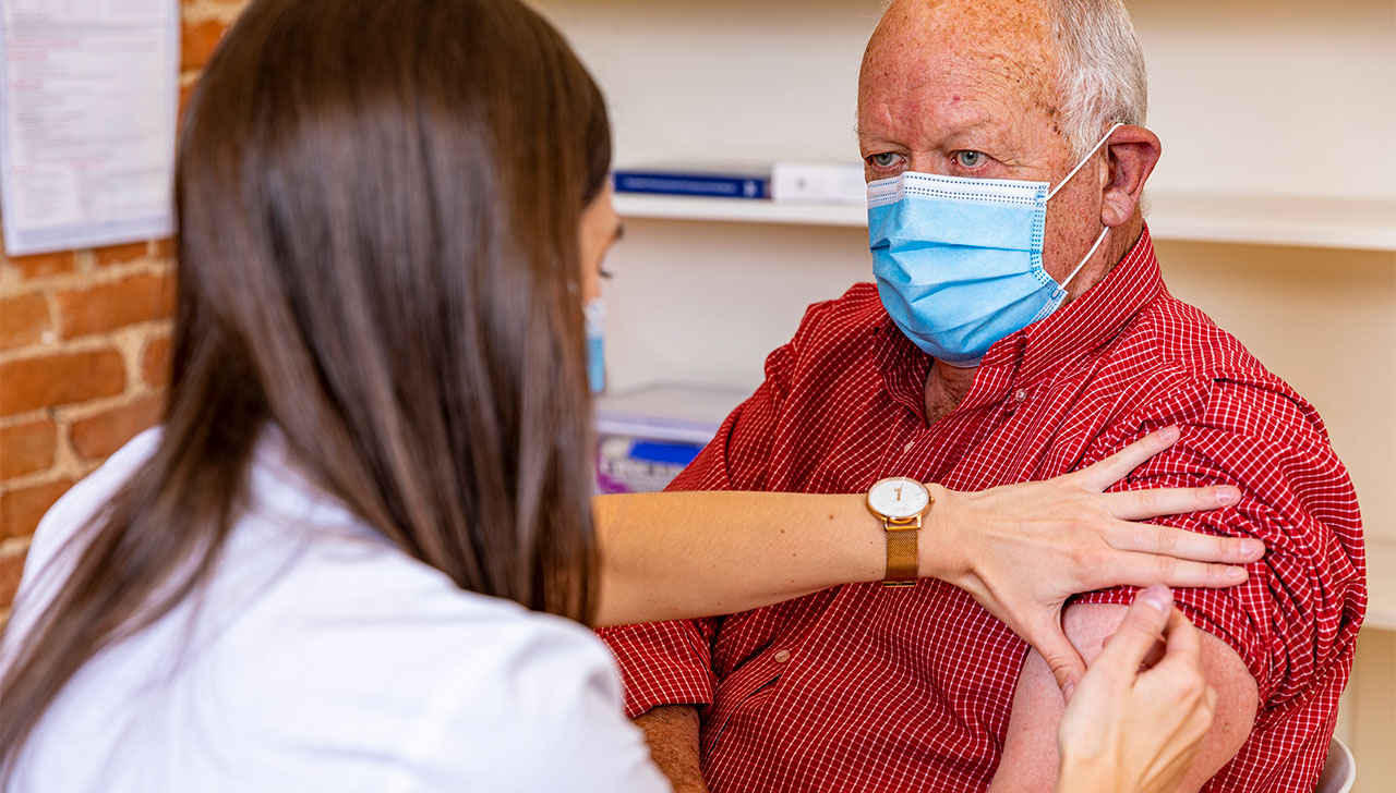 With more pharmacists providing COVID-19 vaccinations, Australian Pharmacist asked two experienced vaccinators for expert vaccination tips.
