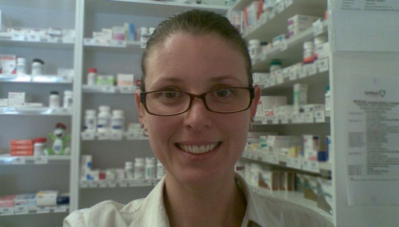 Vanessa Lange MPS in the pharmacy